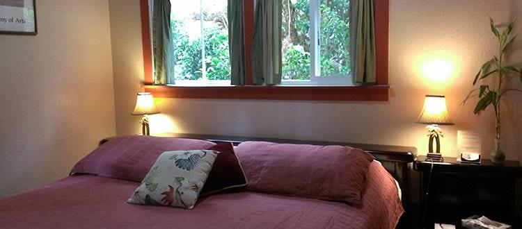 Volcano Hale King Bed