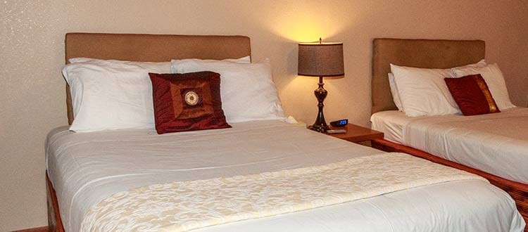 Lokahi Lodge Bedroom King and Full Bed