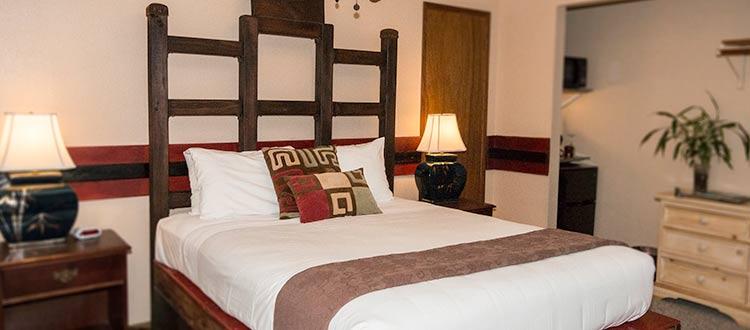 Lokahi Lodge Queen Room