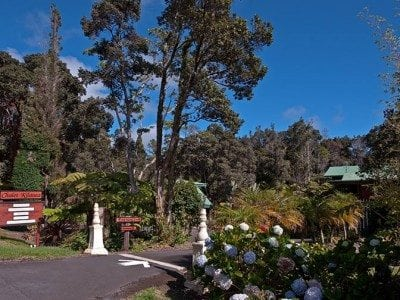 Chalet Kilauea Hotel Entrance