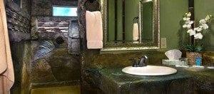 Deluxe King Room Bathroom