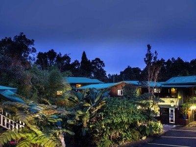 Chalet Kilauea Exterior Dusk